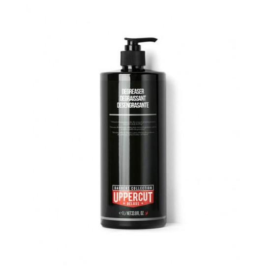 Szampon do włosów zmywający pomady i produkty do stylizacji włosów Uppercut Deluxe Degreaser Barbers Collection 1 l
