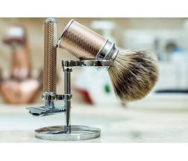 Dlaczego warto jest kupić stojak na pędzel i maszynkę do golenia?